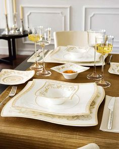Beautiful Christmas Dinner Table Decorations: Beautiful Dining Table Decorations Ideas With Contemporary Light Brown Floral Theme Dinner Set And Wine Glass On Brown Table Cloth ~ aggro1.com Holiday Decorations Inspiration