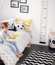 Weiß. Wanddeko aus Baumwollcanvas mit Zentimeter- und Inchskala sowie einer Stoffschnur zum einfachen Aufhängen. Die Schrauben sind nicht enthalten. Größe