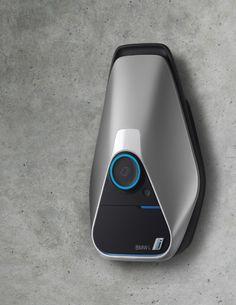 BMW의 홈차지(충전기).전기차의 대중화를 슬슬 고려하는 시대에 맞춰 그에 필요한 상품중하나인 자동차용 충전기.일반적 콘센트가 아닌 신기한 모양의 충전기이다.센스가 좋다.
