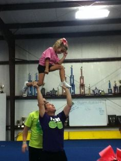 tebowinggggg! This reminds me of my cheer team too much!! Im going to miss our captains!!!