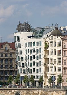 Nationale-Nederlanden Building, ( The Dancing House ), Czech Republic, Prague, 1993 — 1996 | José Miguel Hernández Hernández