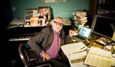 """Michael Nyman, figura centrale del panorama musicale contemporaneo, si esibirà martedì 15 maggio al Teatro Comunale di Modena, nella prima italiana di """"The Piano Sings""""."""