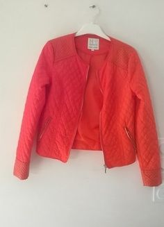 À vendre sur #vintedfrance ! http://www.vinted.fr/mode-femmes/bombers/24919954-blazer-orange