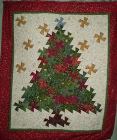 Twister Christmas tree quilt, made by naomi s