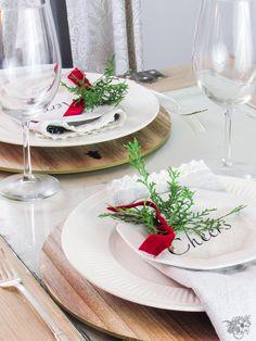 DIY Christmas Wish Plates, DIY Christmas Quote Plates, DIY Christmas Appitizer Plates, DIY Holiday Plates, DIY Holiday Quote Plates