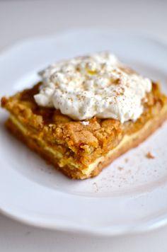 Yammie's Noshery: Pumpkin Cheesecake Crunch Bars