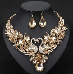 Ekanture Colors Luxury Style Gold & Silver Color Crystal Necklace Earrings) Source by set Swan Jewelry, Crystal Jewelry, Crystal Necklace, Pendant Necklace, Necklace Set, Cheap Jewelry, Jewelry Accessories, Fine Jewelry, Gold Jewellery