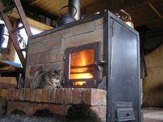 I recently stumbled across your great little forum and thought I& share my stoves with you. The design is not classic rocket stove but includes elements of it. It& a horizontal front load, batch Diy Rocket Stove, Rocket Mass Heater, Rocket Stoves, Cooking Stove, Stove Oven, Cooking Oil, Cooking Light, Stove Fireplace, Timber Frame Homes