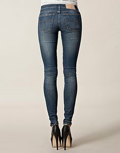 JEANS - TIGER OF SWEDEN JEANS / SLENDER JEANS W47112 - NELLY.COM