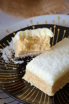 This new and improved Lemon & Coconut Slice recipe is absolutely perfect! A beautiful tangy base topped with a creamy lemon frosting… it seriously doesn't get any better than this! Lemon Recipes, Sweet Recipes, Baking Recipes, Dessert Recipes, Cake Recipes, Xmas Recipes, Lemon Desserts, Milk Recipes, Lemon Coconut Slice