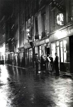 """Paris 1950 """"Pigalle"""" Photo:René-Jacques"""