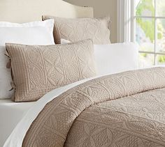 Hanna Quilt, Full/Queen, Dark Simply Taupe At Pottery Barn - Bedding - Quilts Cal King Bedding, Queen Bedding Sets, Luxury Bedding Sets, Linen Bedding, Bed Linens, Home Bedroom, Bedroom Decor, Headboards, Quartos