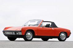 """""""Luft kocht nicht, Luft gefriert nicht"""" – so warb Volkswagen einst für die Luftkühlung seiner Automobile. """"Und Luft heizt nicht"""", ätzten die Gegner dieses Prinzips. Über 30 Jahre währte die Ära der luftgekühlten VW. Wir erinnern an sie."""