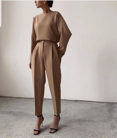 minimal everyday look, classic and simple. Oversized camel sweater, s . - wedding - 30 Minimal everyday look classic and simple. Oversized camel sweater s - Classy Outfits, Chic Outfits, Fashion Outfits, Fashion Clothes, Fashionable Outfits, Woman Outfits, Mode Instagram, Mode Ootd, Mode Vintage