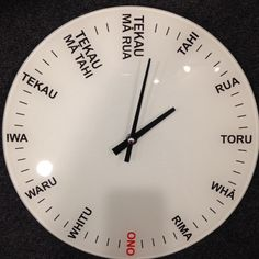 Maori Language Numbers Clock Hawaiian Tribal, Hawaiian Tattoo, Learning Spaces, Kids Learning, School Resources, Teaching Resources, Samoan Tribal, Filipino Tribal, Maori Words