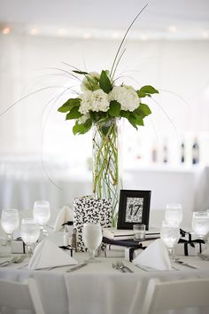 Tall Hydrangea Centerpieces For Weddings   Previous Image Next Image »