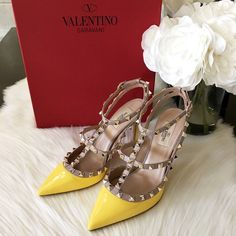 ⭐️NEW⭐️100% Auth Yellow Valentino Rockstud T-Strap Brand New! 100% Authentic Valentino Rockstud 100mm Naples yellow patent leather. Size EUR 38 US 7.5-8. Know your Valentino size.  ❌no trades❌ Valentino Shoes