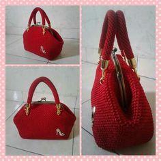 Red crochet bag #crochetbag