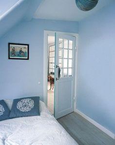 få dagslyset ind ved at indsætte rude(r) i døren
