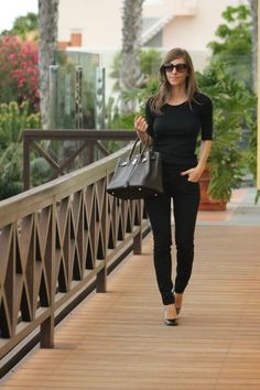 http://www.fashionfreax.net/outfit/514100/Back-to-black