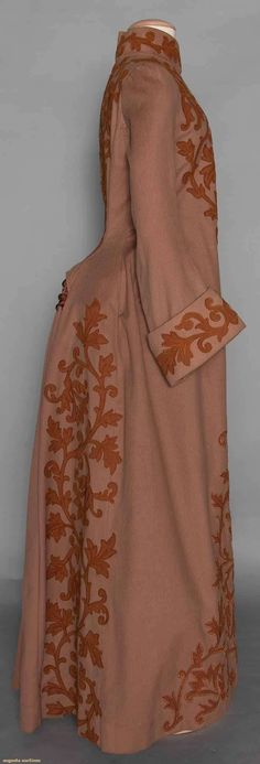 Appliqued Bustle Coat (image 2)   late 1880s   wool   Augusta Auctions   November 12, 2014/Lot 61