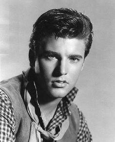 Ricky Nelson QUOTE: You can't please everyone, so you've got to please yourself. Ricky Nelson born Eric Hilliard Nelson was born May in Teaneck New Jersey. He died (plane crash) in Texas, on New Year's Eve, Ricky Nelson, Hollywood Stars, Classic Hollywood, Old Hollywood, Franck Sinatra, The Lone Ranger, Before Us, Westerns, Famous Faces