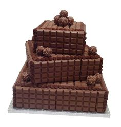 Cadbury's milk chocolate bar cake - wow, i'm thinking for my next birthday cake! I love chocolate but maybe in dark chocolate. Chocolate Cake With Name, Chocolate Bar Cakes, Happy Birthday Chocolate Cake, Cadbury Milk Chocolate, Marble Chocolate, Birthday Chocolates, Happy Birthday Cakes, Chocolate Lovers, Chocolate Heaven