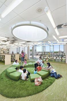 10 fresh architectural spaces designed for kids Public Library Design, Bookstore Design, School Library Design, Kids Library, Modern Library, Future Library, Dream Library, Library Architecture, School Architecture
