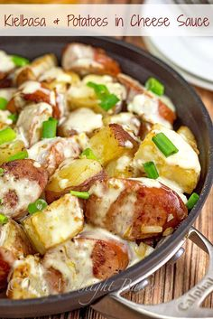 Kielbasa & Potatoes in Cheese Sauce | bakeatmidnite.com | #kielbasa #potatoes #skilletdinners