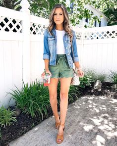 Chic summer Wwomens outfits ideas for charming style summer fashion trendy o… - blackstars. Jean Jacket Outfits, Casual Skirt Outfits, Short Outfits, Chic Outfits, Dress Outfits, Fashion Outfits, Fashion Quiz, Bar Outfits, Vegas Outfits