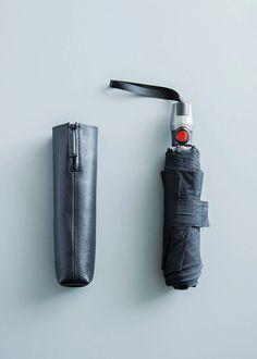 #objctsio #objcts #leather #leatherbag #bag #craftmanship #productdesign #fashion #technology #accessories #work #waterproof #umbrella #foldingumbrella #rainydays #rain Umbrella Cover, Folding Umbrella, Fashion Technology, Leather Bag, Rain, Accessories, Black, Design, Rain Fall