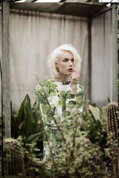 Big Fashion, Green Fashion, Fashion Ideas, Fashion Images, Ladies Fashion, Style Fashion, Fashion Trends, Editorial Photography, Fashion Photography