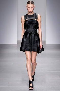 David Koma Fall 2014 Ready-to-Wear Collection Slideshow on Style.com