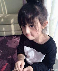 Aww 😘😘 Little Girl Photos, Cute Little Baby Girl, Korean Babies, Asian Babies, Cute Baby Girl Pictures, Baby Photos, Cute Babies Photography, Ulzzang Kids, Asian Kids
