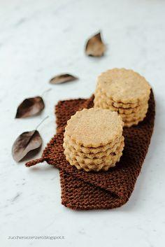 Biscotti al burro e nocciole - Butter and hazelnut cookies