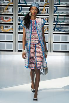 Chanel, Look #33