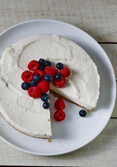 Wait, vegan cheesecake? Yep. Luscious and lemony vegan cheesecake. Do tell them it's packed with protein, don't tell them it's tofu!