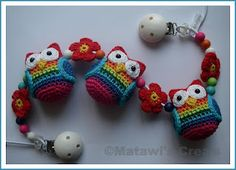 "* Necklace Idea!  Cute little crochet owls!    Dutch site.  Pattern is for sale with all proceeds going to ""Compassion"" to help families in need."