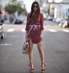 Yaz trendi: Gömlek elbise √ Sizin için 23 gömlek elbise seçtik: http://brnstr.co/24Kol0t Photo: blankitinerary on ig #gömlekelbise #sokakstili