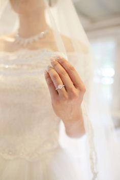 Engagement ring bling - Jun and Zhao's Hawaiian Wedding Photo by Anna Kim Photography