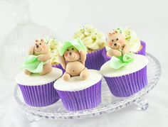 Teddy bear baby shower cupcakes are perfect for baby showers.