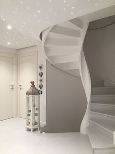 House Architecture, Stairways, Painted Furniture, Rome, Beach House, Home Goods, House Design, Interior Design, Cool Stuff
