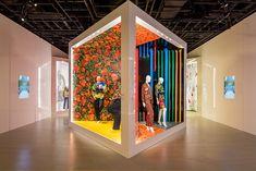 Cindy Sherman, Yayoi Kusama, Zaha Hadid, Frank Gehry, Style Californien, Store Concept, Louis Vuitton Trunk, Window Display Design, Booth Design