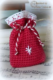 Atelier Valerie: A Little Christmas Gift Little Christmas, Merry Christmas, Christmas Gifts, Christmas Decorations, Crochet Gifts, Knit Crochet, Wrapped Wine Bottles, Knit Mittens, Crochet Purses