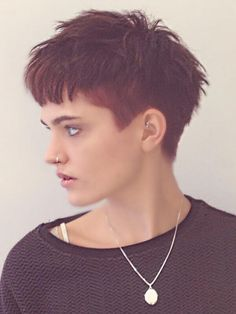 Very cute You are in the right place about Androgyne pride Here we offer you the most beautiful pict Edgy Short Hair, Edgy Hair, Short Hair Cuts, Undercut Hairstyles, Hairstyles With Bangs, Pretty Hairstyles, Haircuts, Hair Inspo, Hair Inspiration