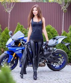 MOTORCYCLES GIRLS BIKERSさんはInstagramを利用しています:「@alinochka_moto_lady #mototeka #motorcycle #moto #motoдевушка #bikeride #bikelife #follow #followme #repost #girl #ride #rideout #motogirl…」