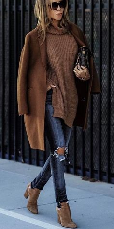 denim and brown outf