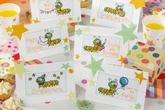 From bug hugs to parties, birthdays to congratulations, there's an adorable bug card for every occasion with these six fun designs. Free Cross Stitch Charts, Cross Stitch Patterns, Embroidery Patterns Free, Embroidery Stitches, Planning Your Day, It's Your Birthday, Cross Stitching, Needlework, Greeting Cards