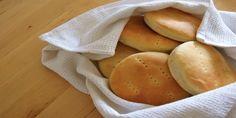 Panadería Recetas Hot Dog Buns, Hot Dogs, Chilean Recipes, Hamburger, Bread, Vegetables, Food, Sweet Desserts, Breads