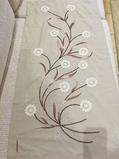 Ready to Ship - Harvest Leaves Thanksgiving Linen Fall Table Runner - Natural / Dk. Embroidery On Clothes, Machine Embroidery Patterns, Hand Embroidery Patterns, Embroidery Stitches, Embroidery Designs, Crochet Table Runner Pattern, Patchwork Table Runner, Button Hole Stitch, Designer Bed Sheets